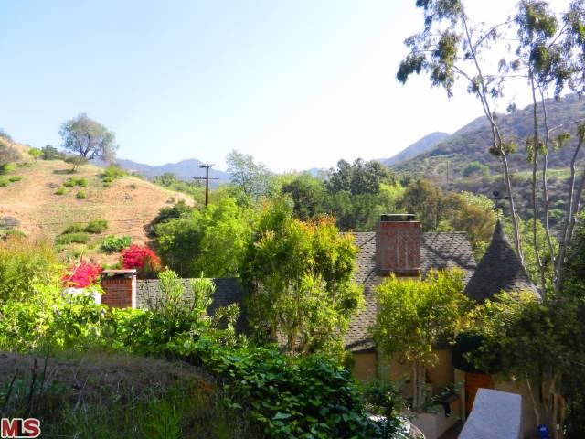 2663 Bronholly Dr, Los Angeles, CA 90068 In Escrow!